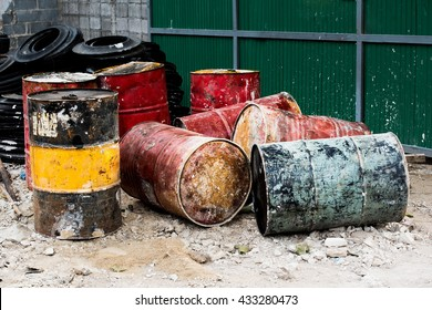Old oil barrels are ready to recycle.