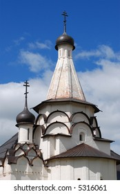 """Old orthodox temple with black domes in Suzdal, russian town of """"Golden ring"""""""