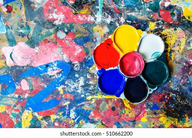 Old palette on a dirty table for background