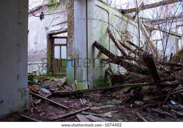 old place collapsing