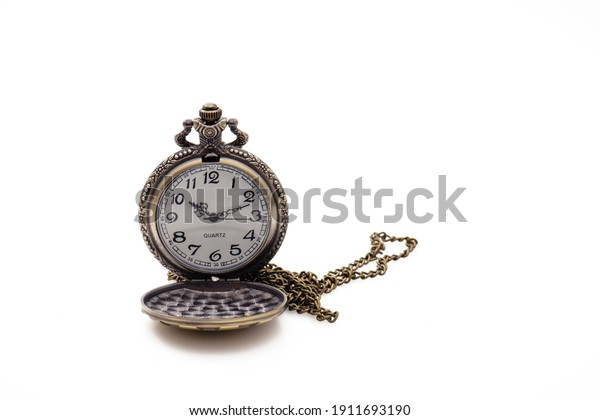 old-pocket-watch-isolated-on-600w-191169