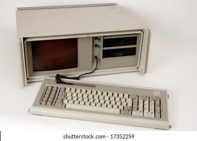 An old portable computer (laptop from the early 1980s)