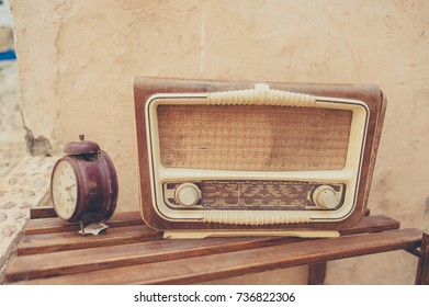 Old radio and clock