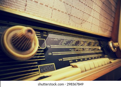 Radio Station Frequency Images, Stock Photos & Vectors