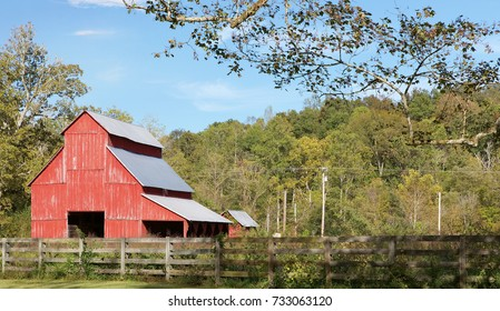 Old red barn at Rutledge Falls in Tullahoma, Tennessee