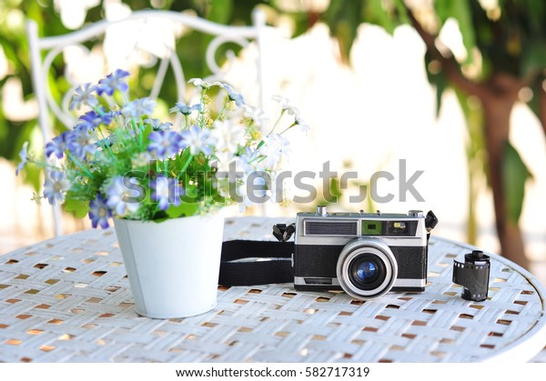 old retro vintage of rangefinder film camera style is the classic object item in past history of photography