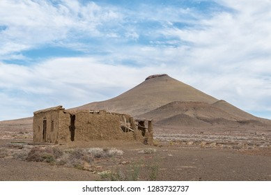 An old ruin and a typical Karoo hill in the Tankwa Karoo in the Northern Cape Province