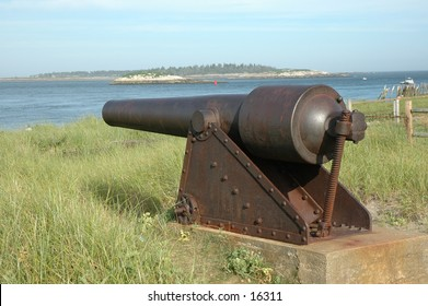 An old rusted cannon from the Spanish American War and Civil War