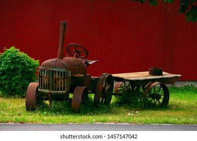 Grain Cart Images, Stock Photos & Vectors | Shutterstock