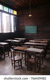Old school classroom in Thailand Most of the equipment is made of solid wood. Most are elementary and middle school. At present, it is still used in poor schools.