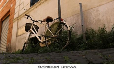 Old school Italian bike in Rome sidestreet