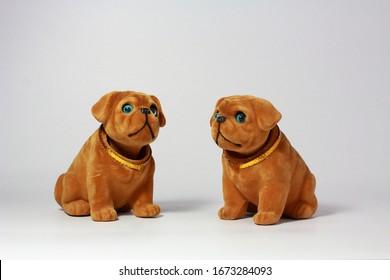 Old shaking nod head brown dog doll