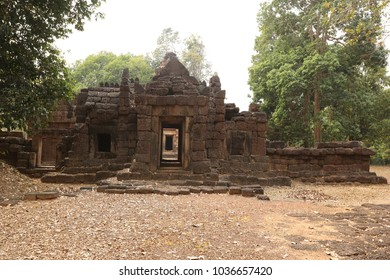 old stone castle in northeast of Thailand : Prasat Ta Muen, Prasat Ta Moen (Ta Moen  stone castle)