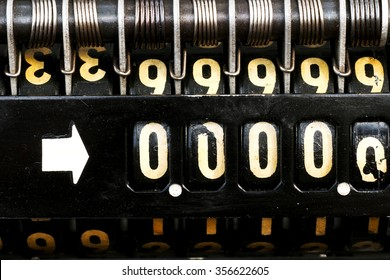 old  style cash register with  numbers 00000 crisis  close up