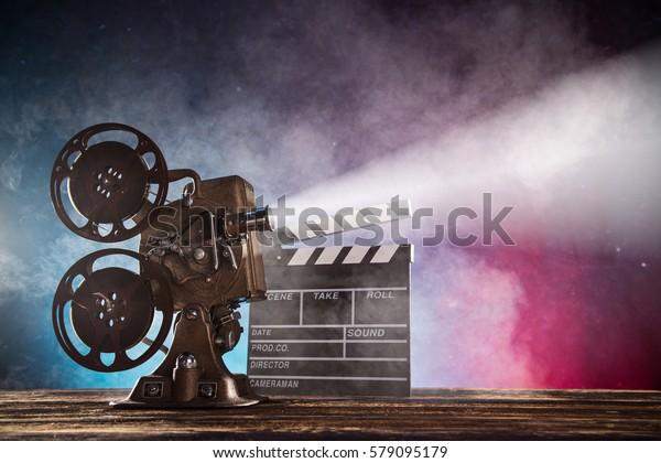 Старый кинопроектор стиль, натюрморт, крупным планом.