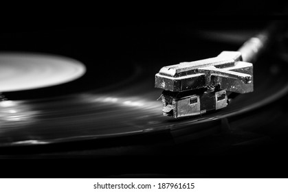 old style turntable with needle