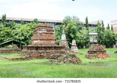 the old temple in ayuthaya city
