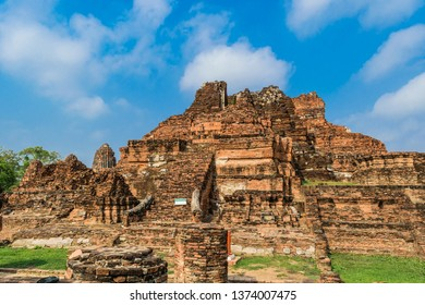 Old temple in Ayuthaya Thailand