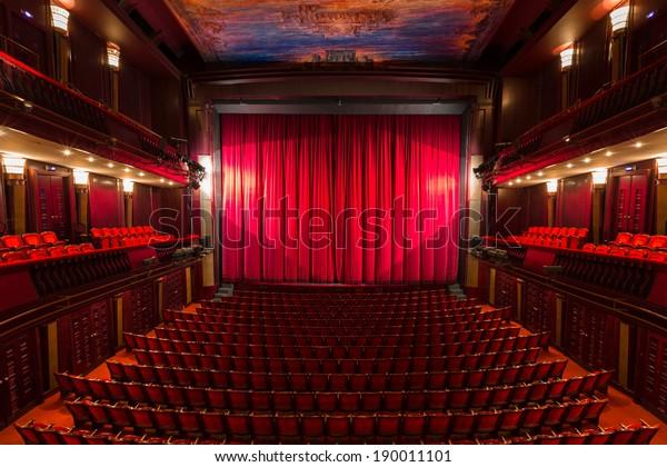 ein alter Theatersaal, Inneneinrichtung