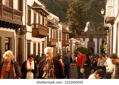 the old town with the church of the Village of Teror in the Mountains of central Gran Canay on the Canary Island of Spain in the Atlantic ocean.  Gran Canaria, Teror, February, 2006