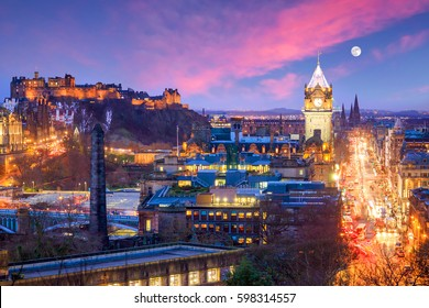 Old town Edinburgh and Edinburgh castle at night, Scotland UK