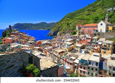 Old town and harbor of Vernazza, Cinque Terre, Italy