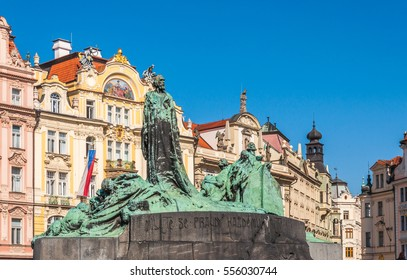Old Town Square (Staromestske namest�), Jan Hus monument