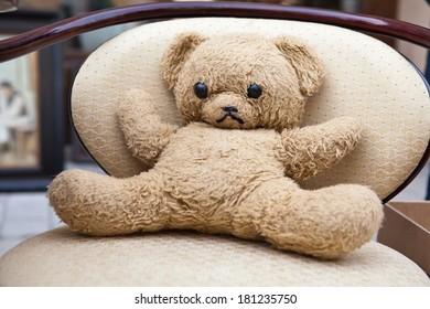 old toy teddy bear