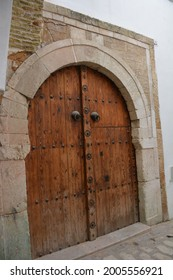 Old tunisian city Door style, the big handles are for Men or horse riders, the small lower handel is for either woman or the family members. just to distinguish between categories buy sound of clack.