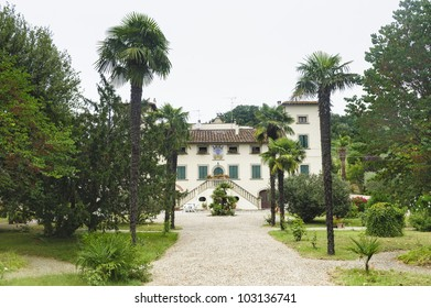 Old villa near Fucecchio (Florence, Tuscany, Italy) with garden