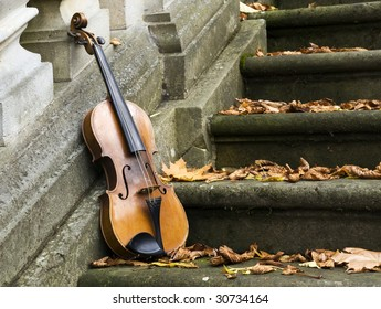 old violin on autumn barok 3
