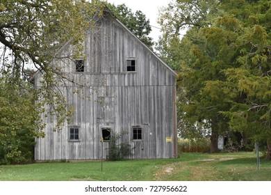 Old weathered barn in Davenport Iowa.