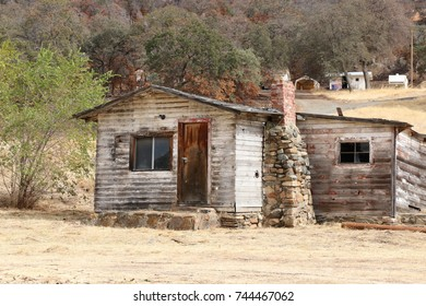 Old weathered wooden cabin, Mariposa county, California.
