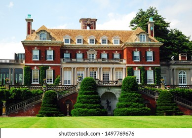 Old Westbury, NY, USA June 30, 2009 An old Gilded Age mansion retains its old glory in Old Westbury, Long Island