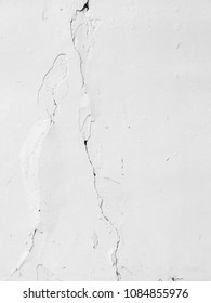 old white wall with crack texture