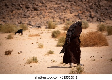 The old woman in the desert