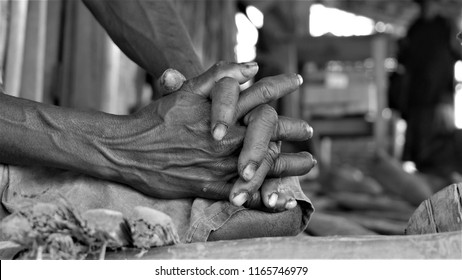 Old woman' hands