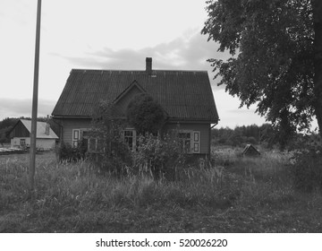 The old wooden house in the countryside