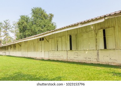 Old wooden house Style is the building of the school or the bedroom.