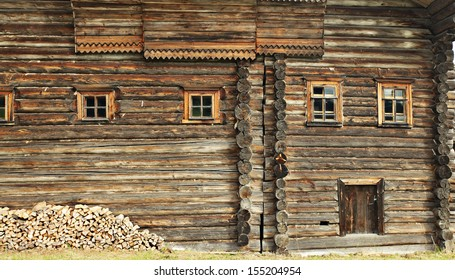 Old wooden house with a thread