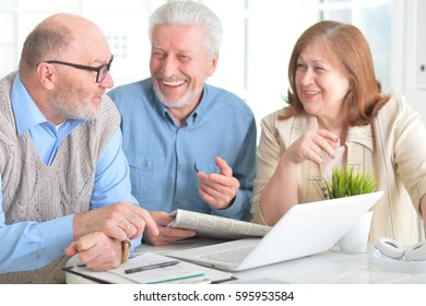 Older people with a laptop