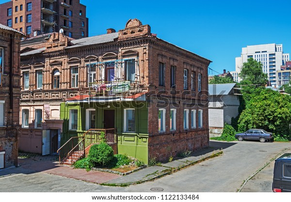 older-twostorey-houses-late-18th-600w-11