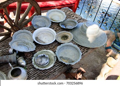 Old-fashioned dishware