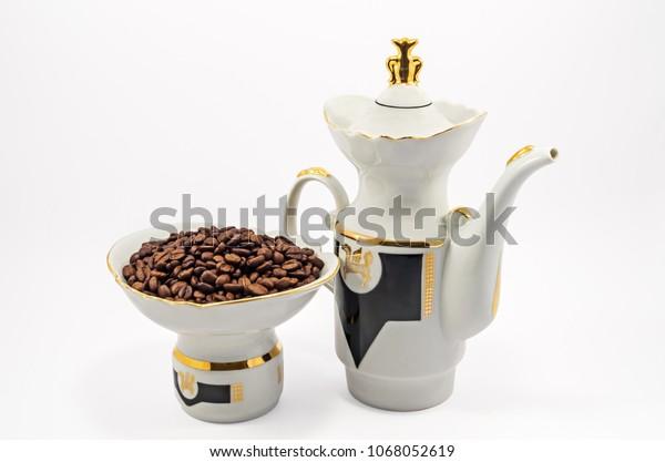 oldfashioned-porcelain-coffee-pot-bowl-6