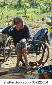 Old,Old people of Thailand-Old People in rural areas of Thailand remains strong because of their simple life is still a little work-January 7 2016.