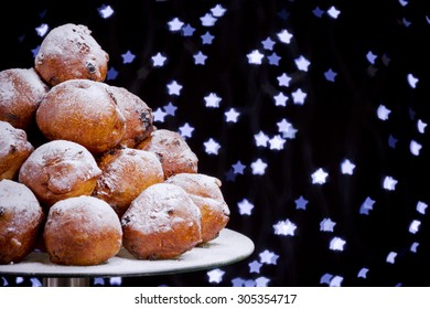 'Oliebollen', traditional Dutch pastry for New Year's Eve.