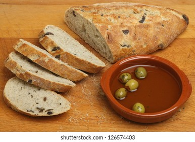 Olive bread with olive oil.