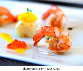 Olive oil shrimp prepared with a special presentation.