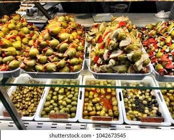olive tapas in spainish market