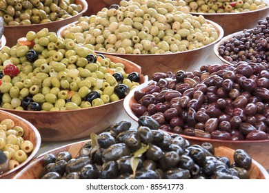 Olives and kidney beans
